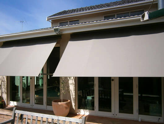 Drop-Arm-Awning_Mesh_Traditional-Automatic-Awnings