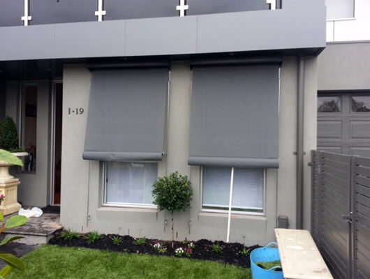canvas-auto-awnings_Traditional-Automatic-Awnings