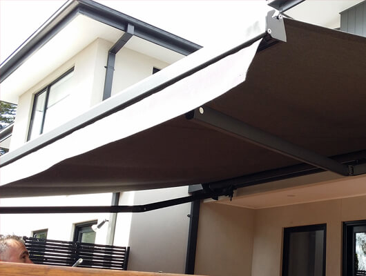 Retractable awnings sienna folding arm