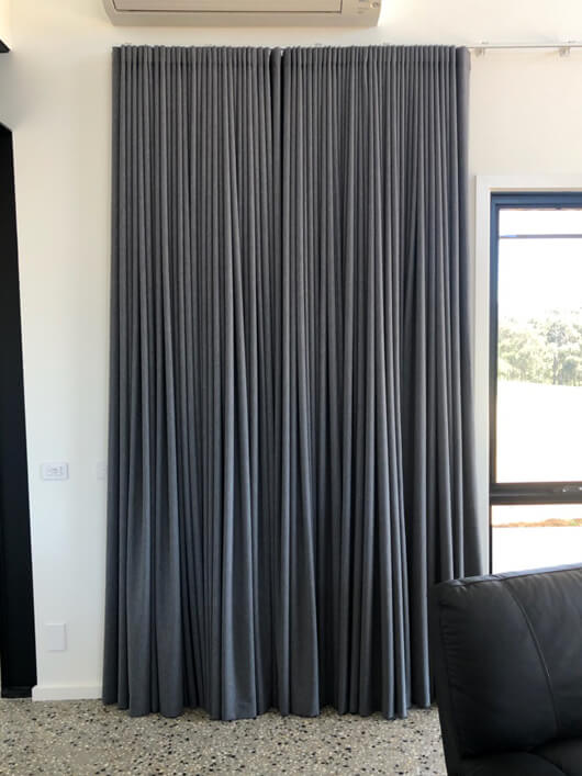 Why Choose Curtains? Here are the Feature and Benefits: